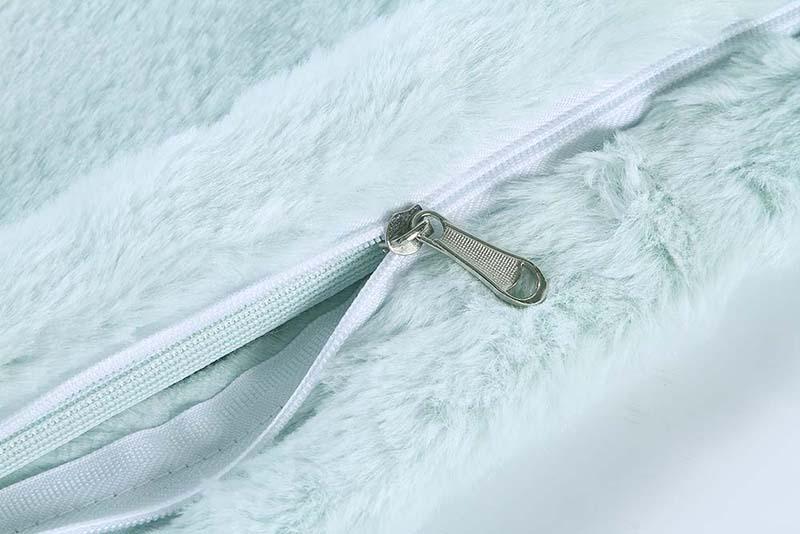 Luxury-plush-blanket-3