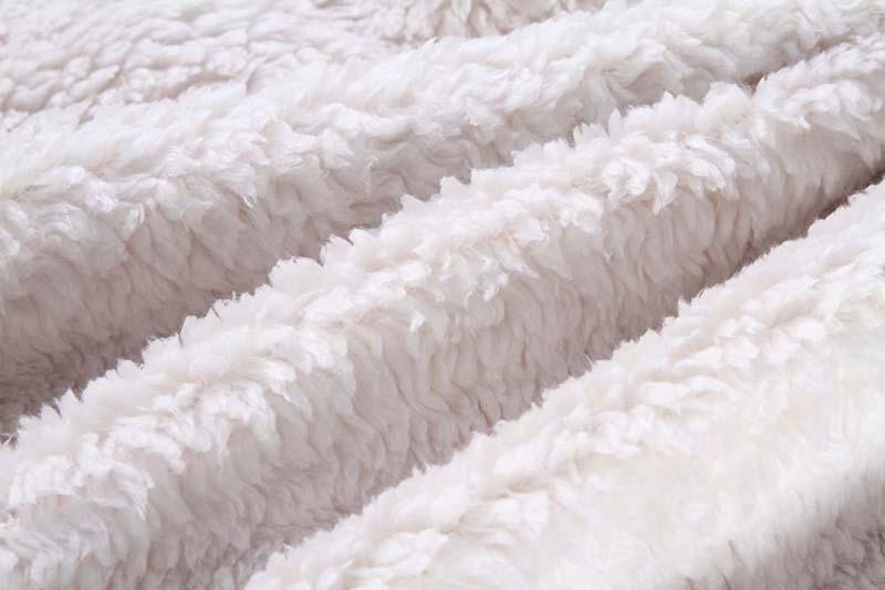 Printed-sherpa-blanket-3
