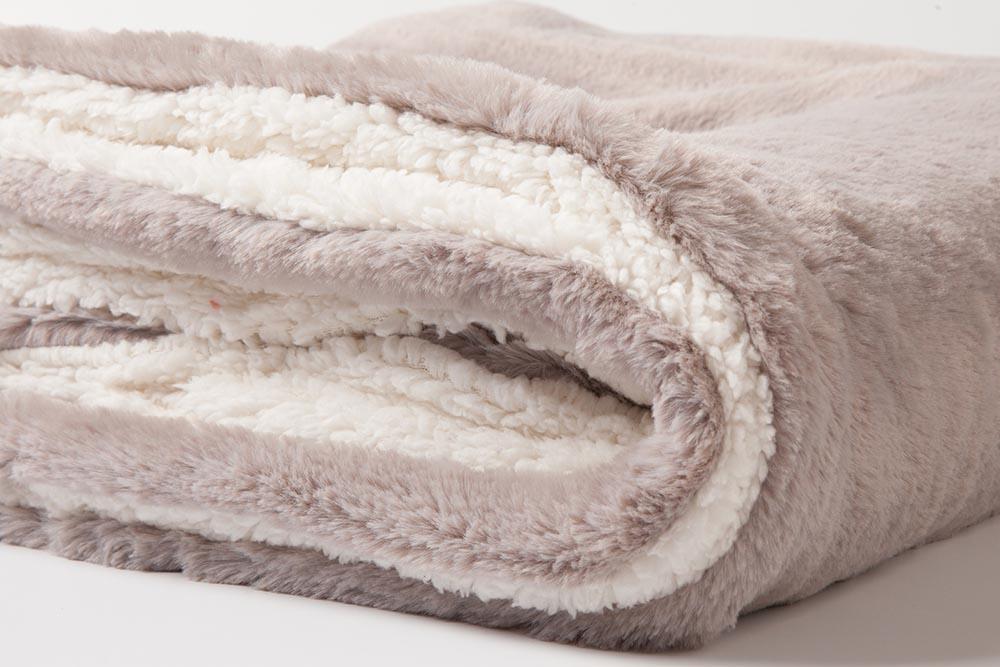 cozy-sherpa-blanket-3