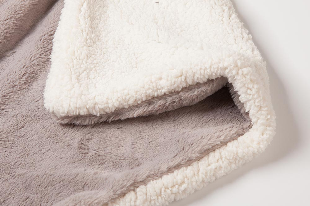 cozy-sherpa-blanket-4