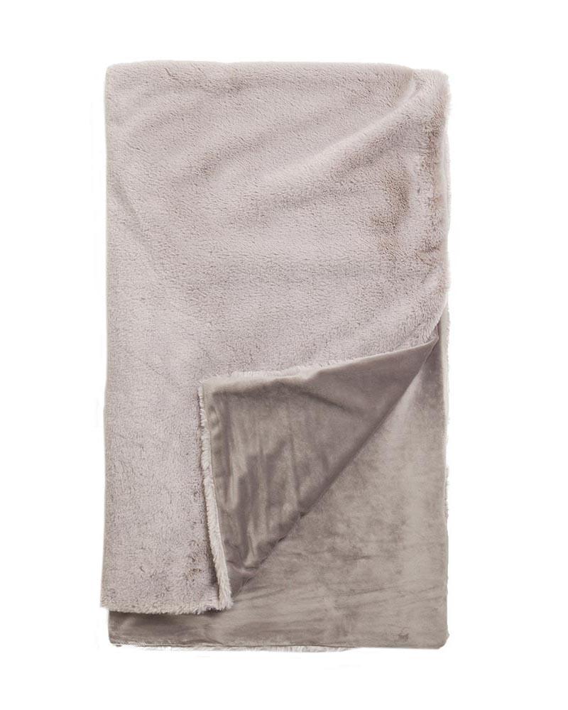 luxury-plush-blanket-feature