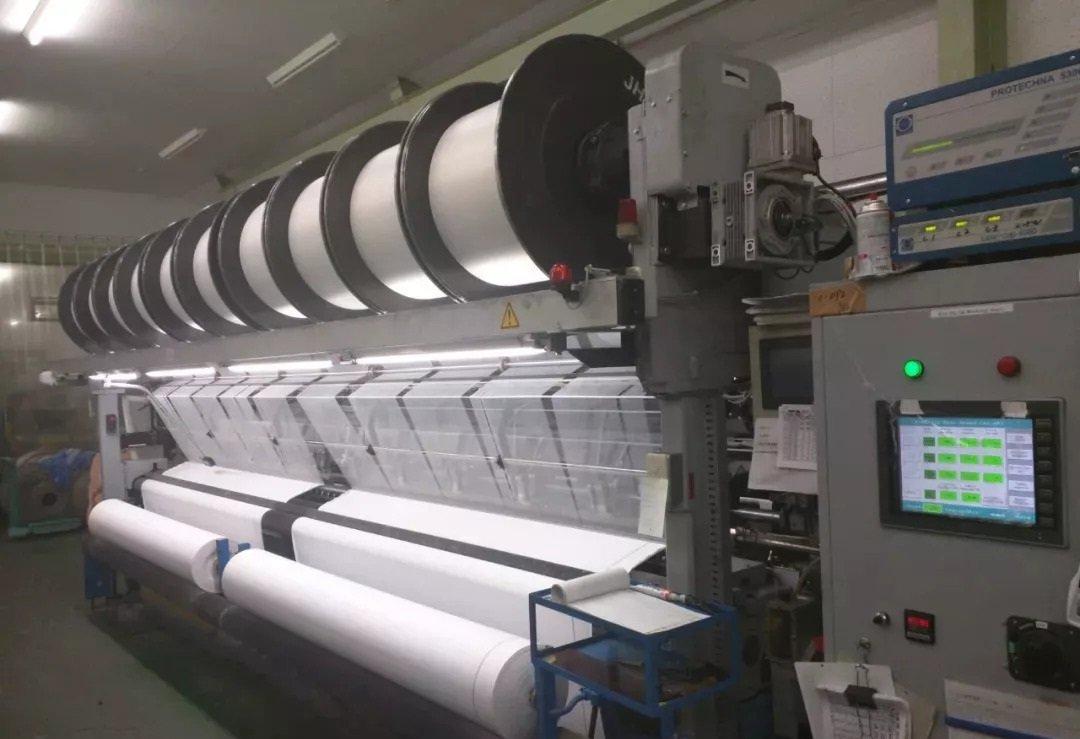 warp-knitting-machine