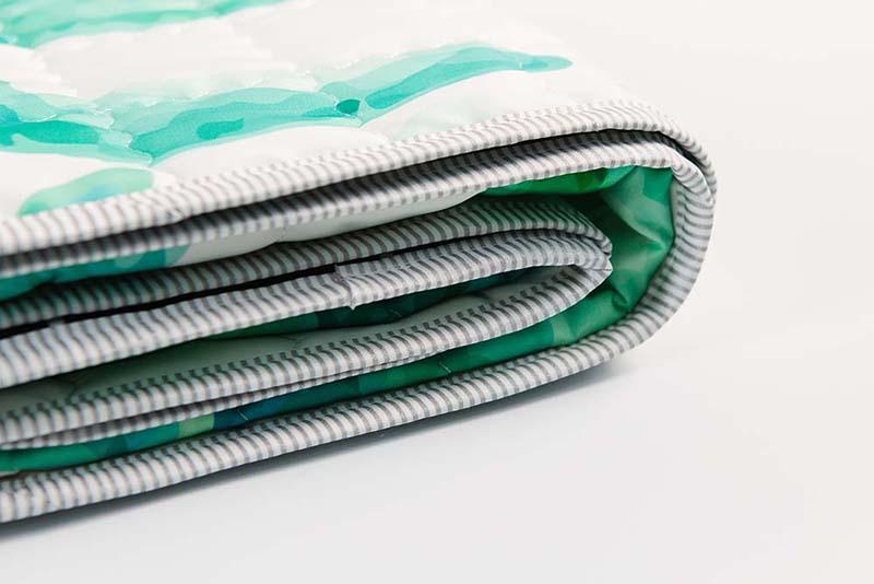 waterproof-picnic-blanket-3